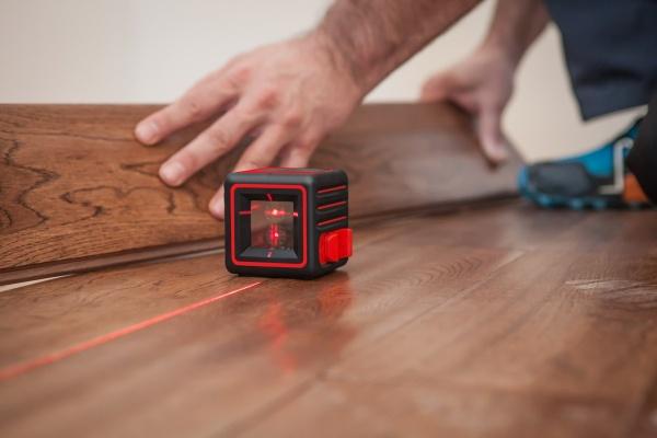 Что такое лазерный уровень и лазерный нивелир. Их основные преимущества