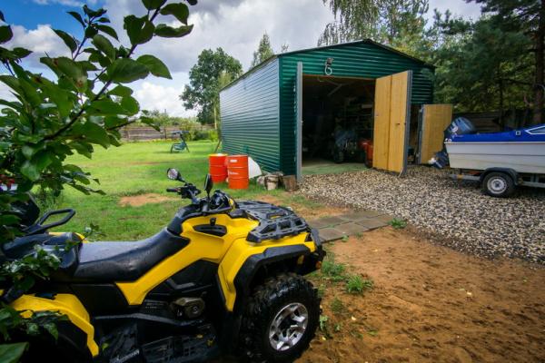 Как самому построить гараж из металлического профиля